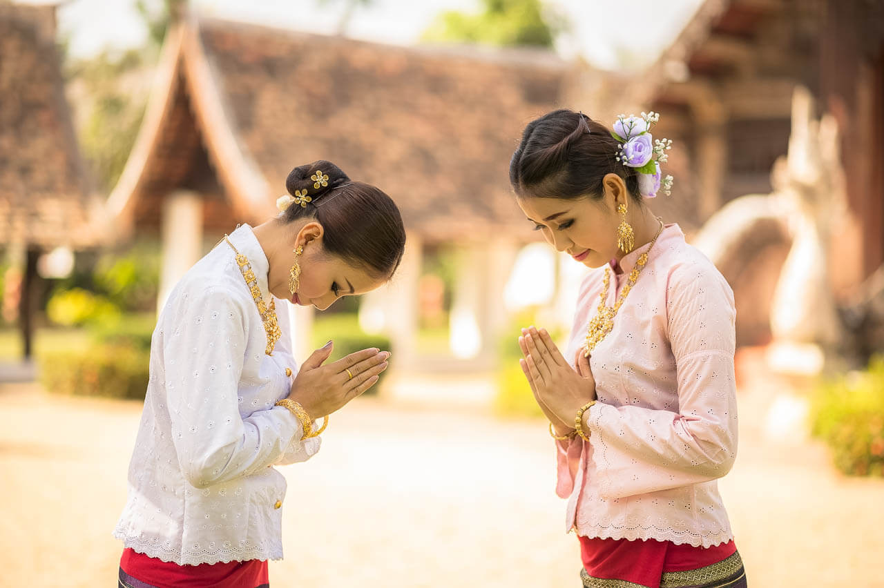 thailand-greeting-how-to-wai-2